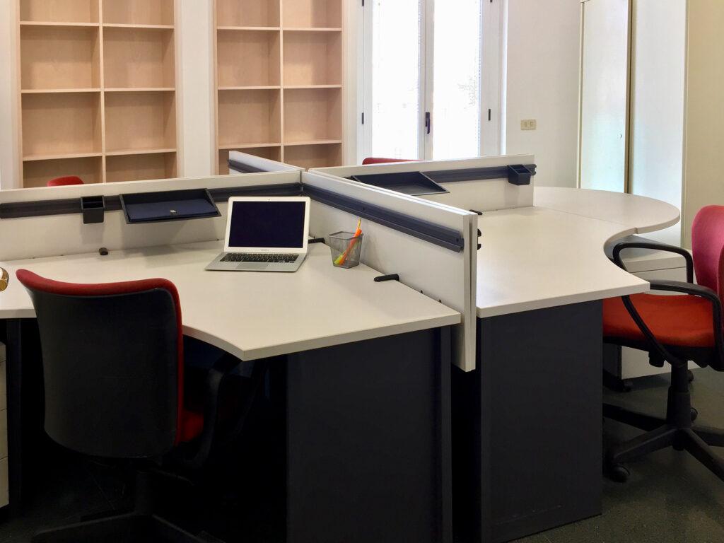Faro Futuro coworking spaces customized offices Bari Puglia